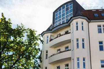 attraktive wohnungen in berlin mieten. Black Bedroom Furniture Sets. Home Design Ideas